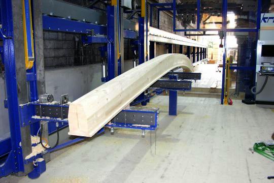 Krüsi Lignamatic, die vollautomtisch CNC gesteuerte Abbundmaschine